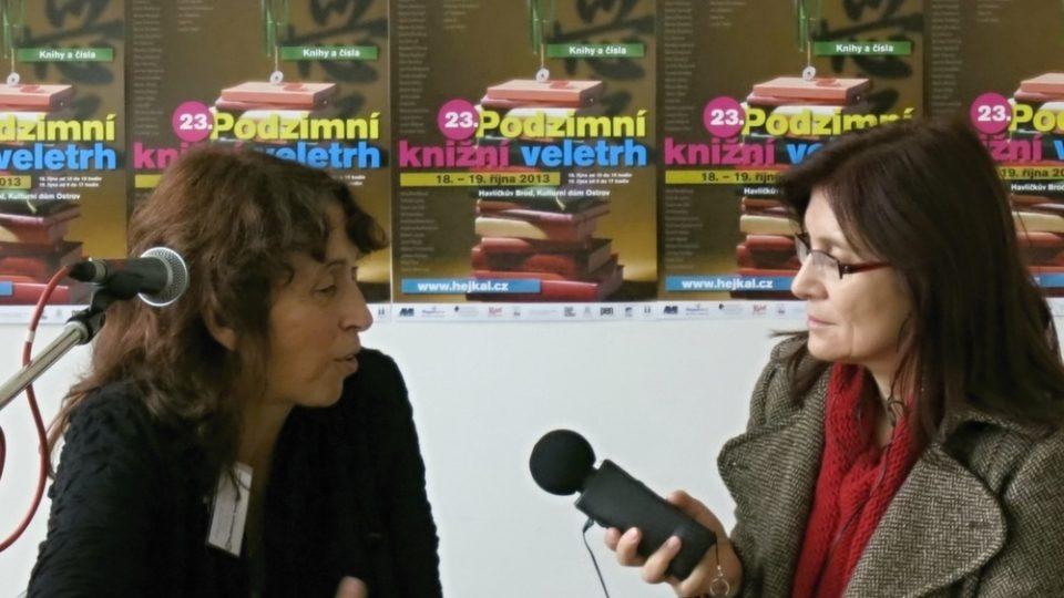 Podzimní knižní veletrh: ředitelka Markéta Hejkalová hovoří s Alenou Blažejovskou