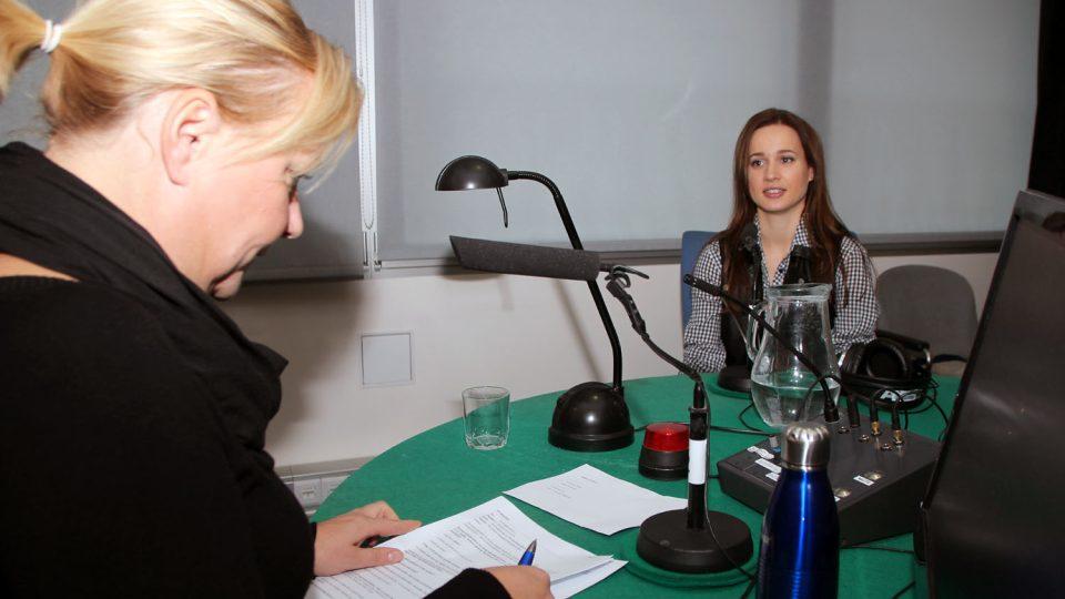 Kristina odpovídala na otázky moderátorky Patricie Strouhalové