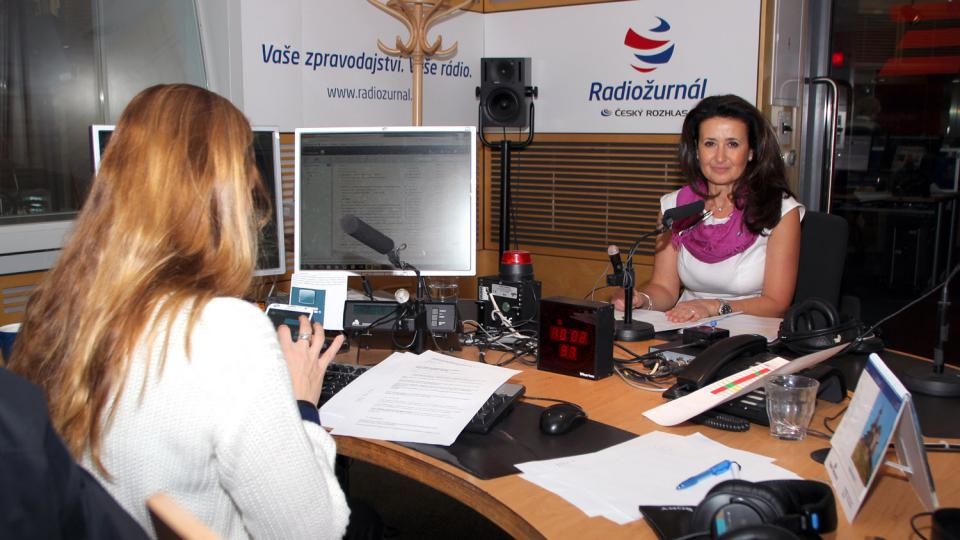 Advokátka Dagmar Raupachová odpovídala na otázky moderátorky Lucie Výborné i posluchačů