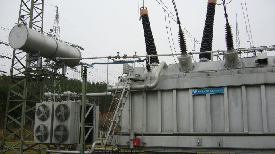 Starý transformátor anglické výroby