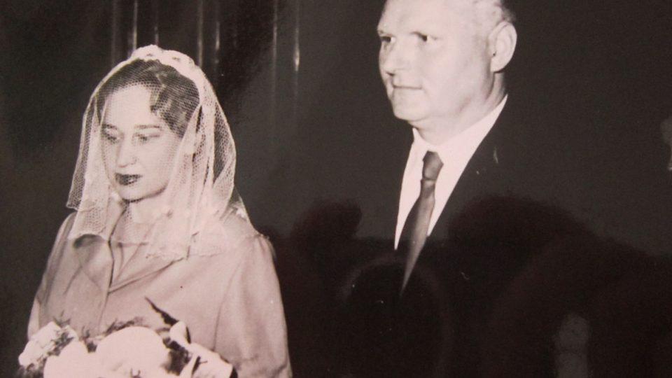 Svatební foto Lápkových, rok 1961