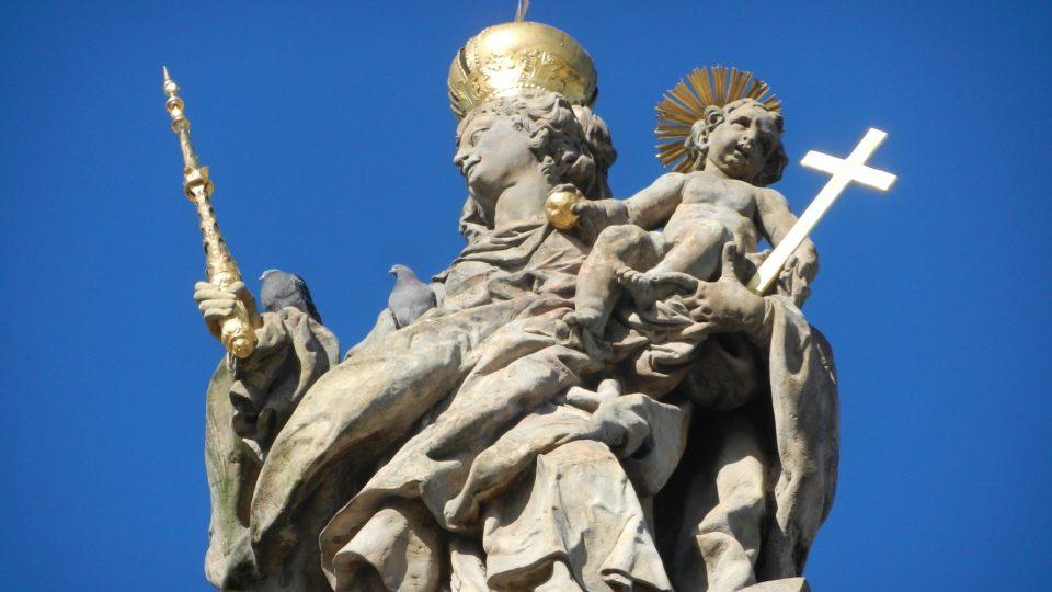 Mariánský sloup v Uničově - detail sochy Panny Marie