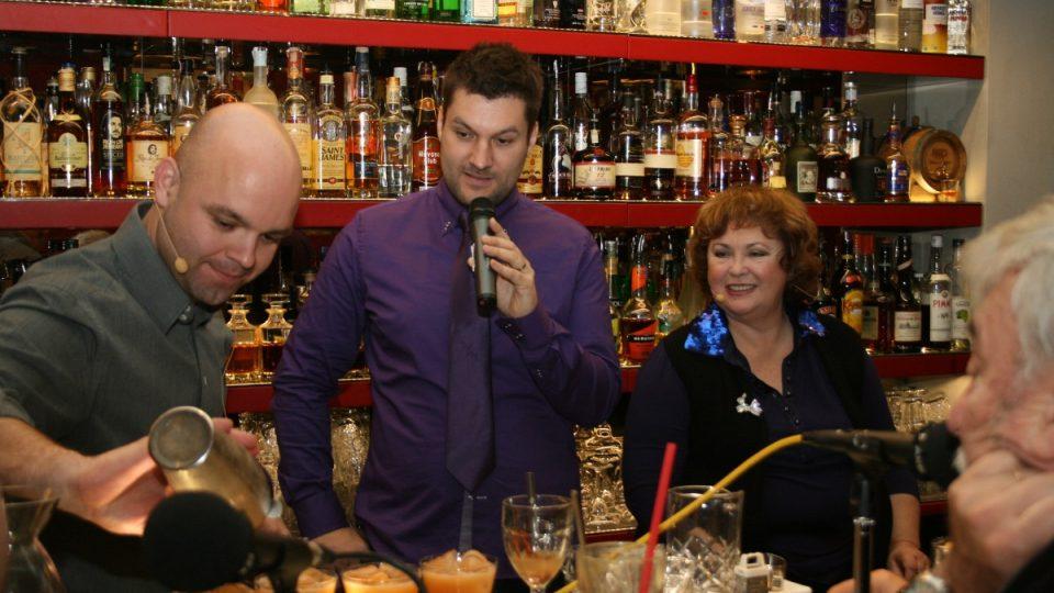 Barman Honza Braniš, Patrik Rozehnal a Naďa Konvalinková