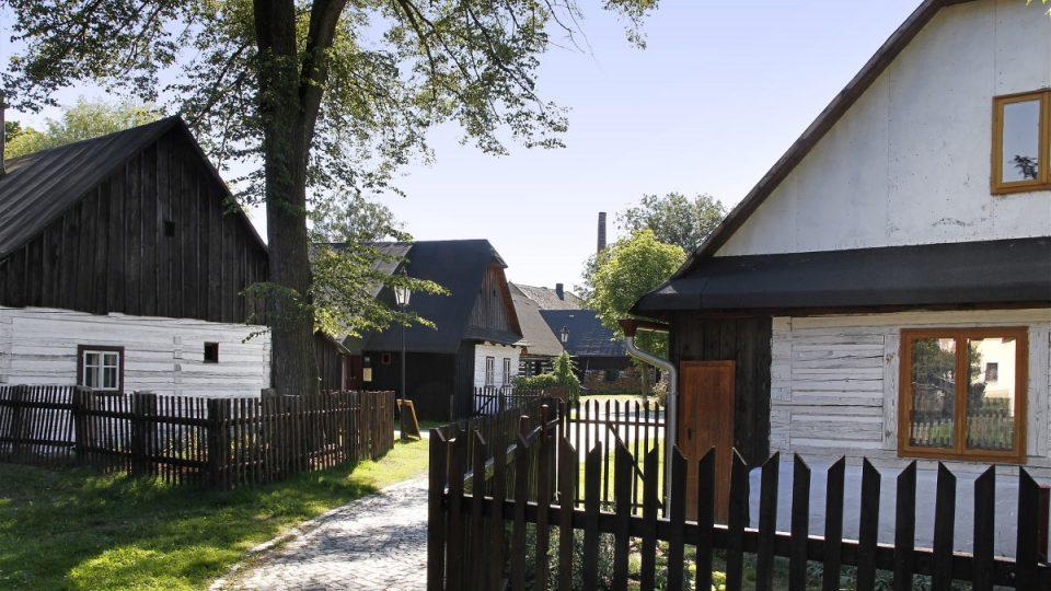 Betlém v Hlinsku, roubenky v centru města