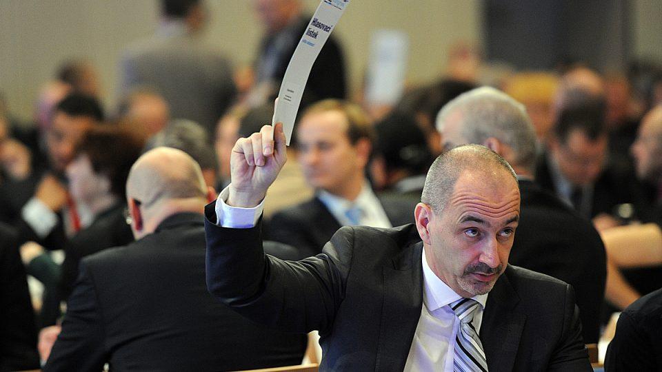 Martin Kuba hlasuje na kongresu ODS