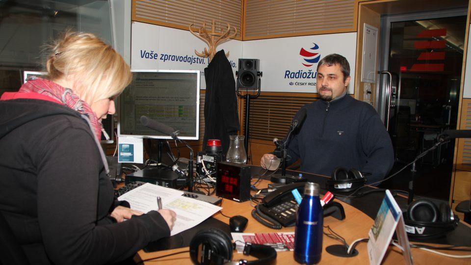 Sinolog Vít Vojta odpovídal na otázky moderátorky Patricie Strouhalové