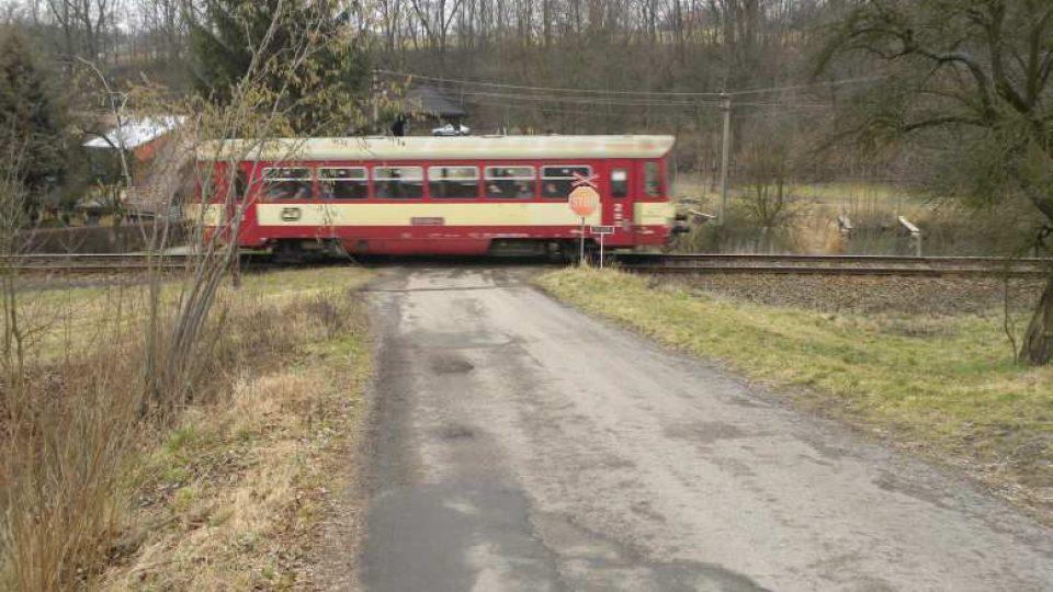 Peklo nad Zdobnicí - železniční přejezd