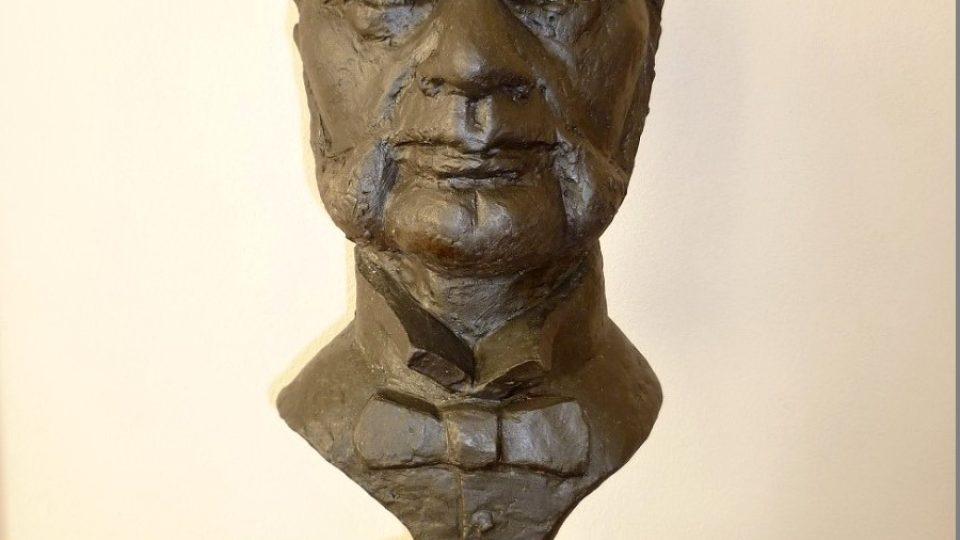 Busta Jakuba Hrona