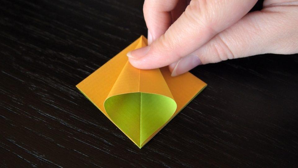 Složte si kosatec z papíru - 5. krok