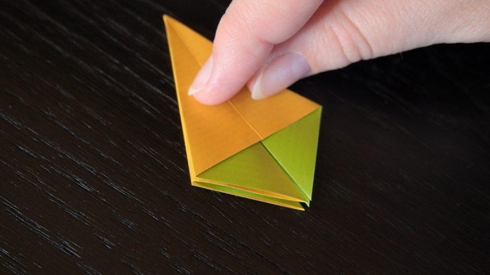 Složte si kosatec z papíru - 7. krok