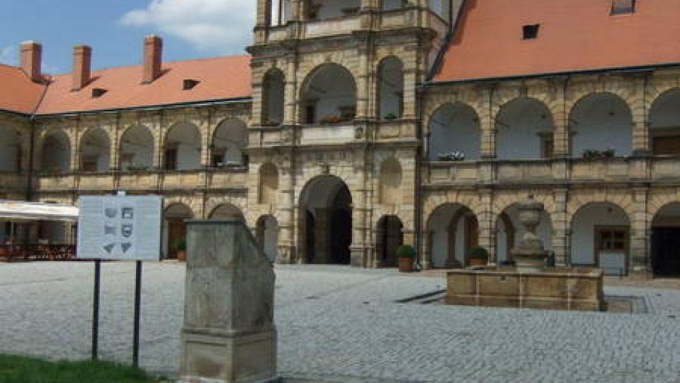 Nádvoří zámku Moravská Třebová