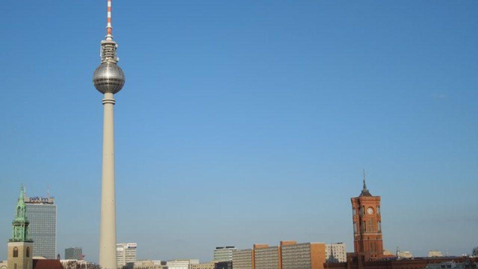 Změní se i panorama této části Berlína. Nalevo od televizní věže přibude stopadesátimetrový mrakodrap, nejvyšší ve městě.