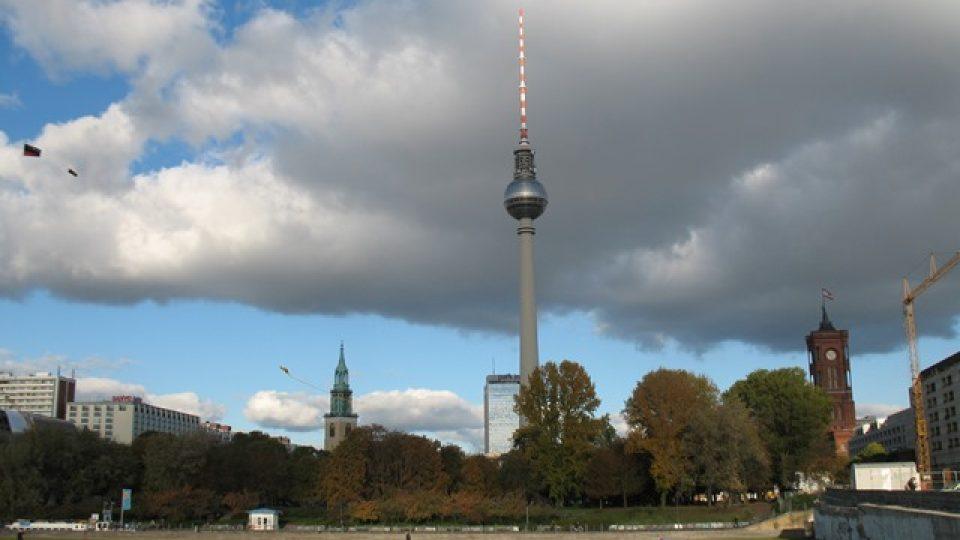 Změní se i panorama této části Berlína. Nalevo od televizní věže přibude stopadesátimetrový mrakodrap, nejvyšší ve městě