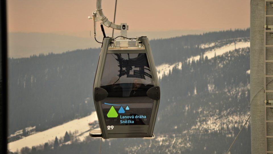 Nová kabinková lanovka na Sněžku v provozu