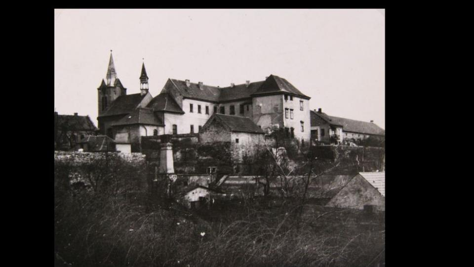 Chvalský zámek ve 20. století