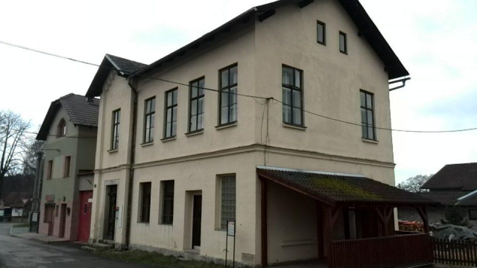 Malá Čermná - bývalá škola