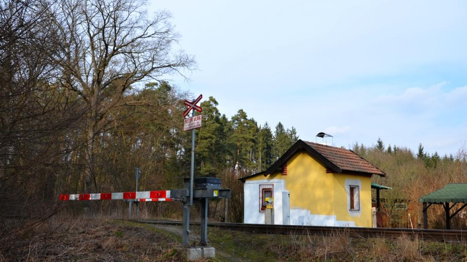 Cesta u tratě
