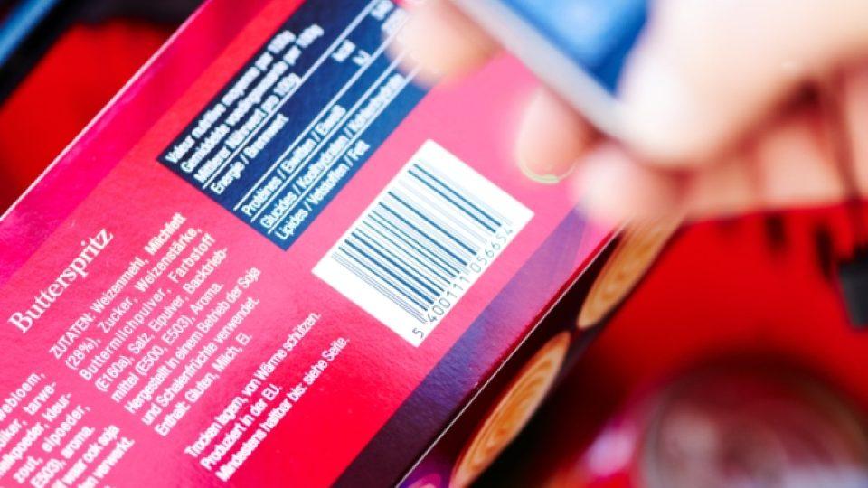Po sejmutí čárového kódu mobilním telefonem zákazník získá rozšířené informace o produktu