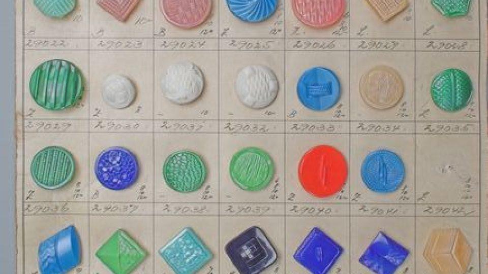 Sbírka knoflíků v jabloneckém muzeu - exponáty