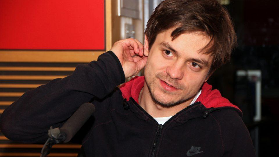 Známý herec představil ve vysílání Radiožurnálu svůj režijní debut s názvem Pojedeme k moři