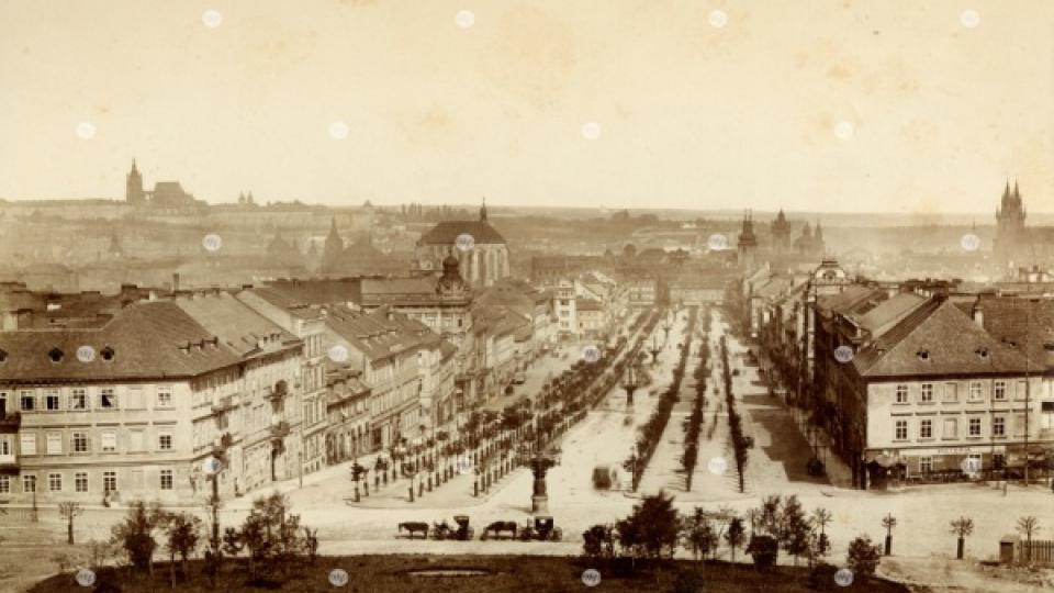 Pohled na Václavské náměstí z místa zbořené Koňské brány, F. Fridrich, 1880