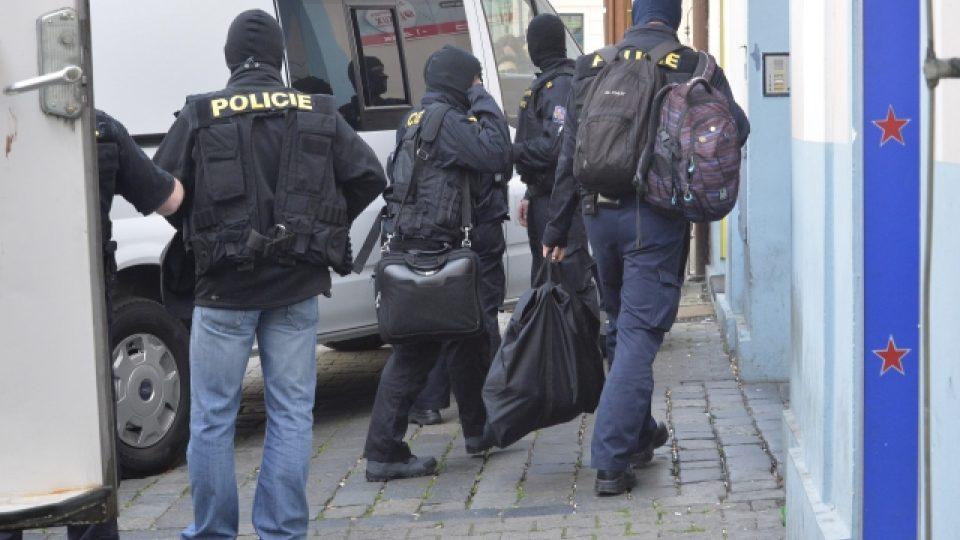 Zásah policistů z ÚOOZ v sídle Islámské nadace v ulici Politických vězňů