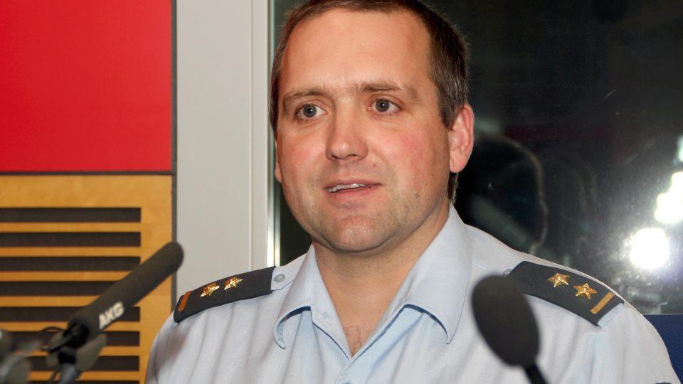 Podplukovník Josef Přerovský byl hostem Dvaceti minut Radiožurnálu