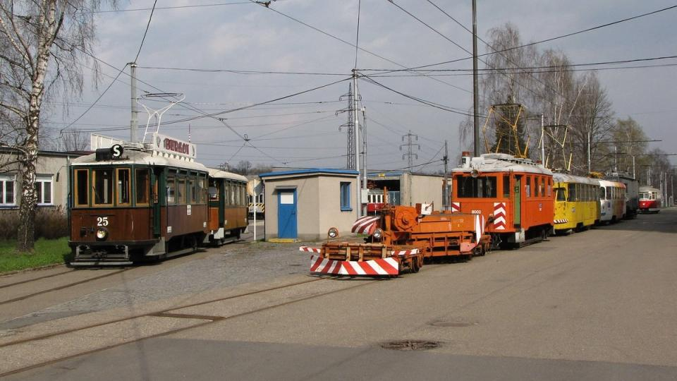Depozitář historických vozidel - tramvaj č. 25