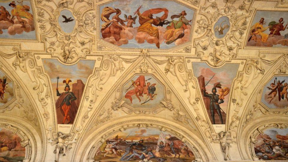 Fresky na stropě sally terreny