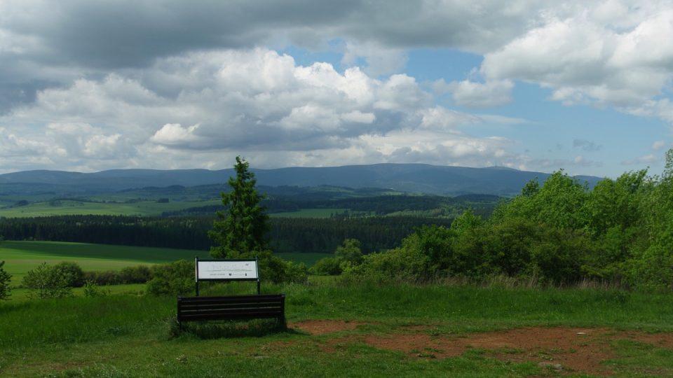 Výhled do krajiny z Uhlířského vrchu
