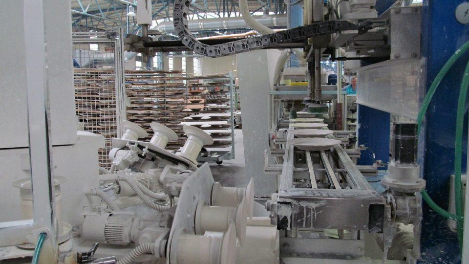 Glazovací stroj v akci