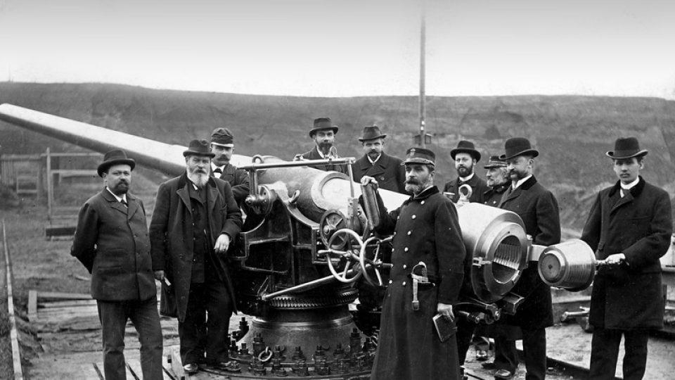 Historická fotografie zaměstnanců Škody