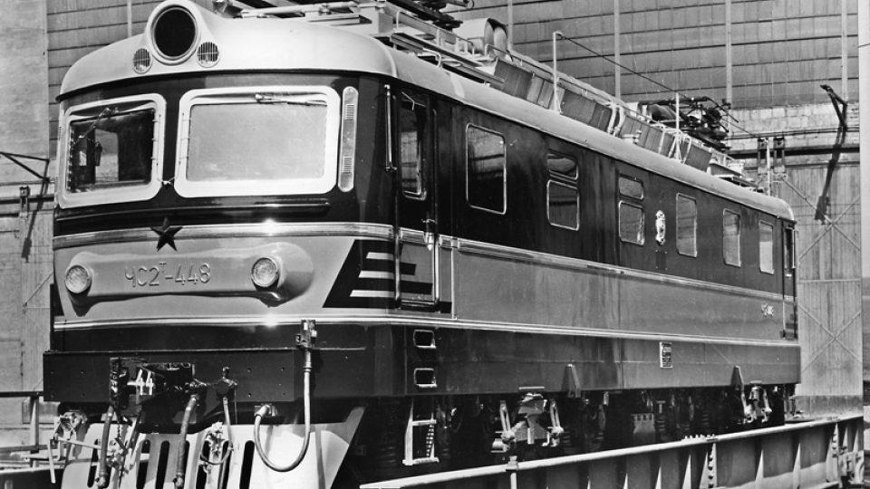 Historická fotografie elektrické lokomotivy z dílny Škody