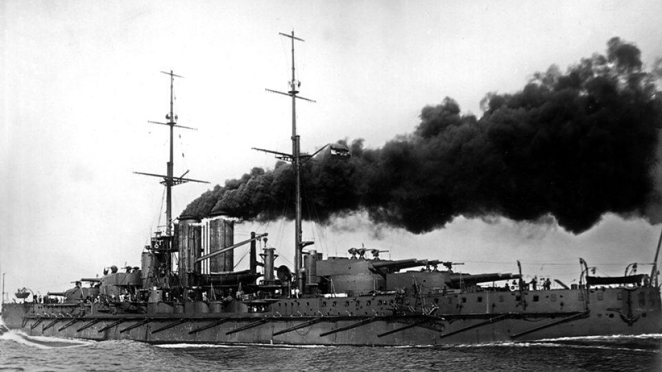 Historická fotografie lodě z dílny Škody