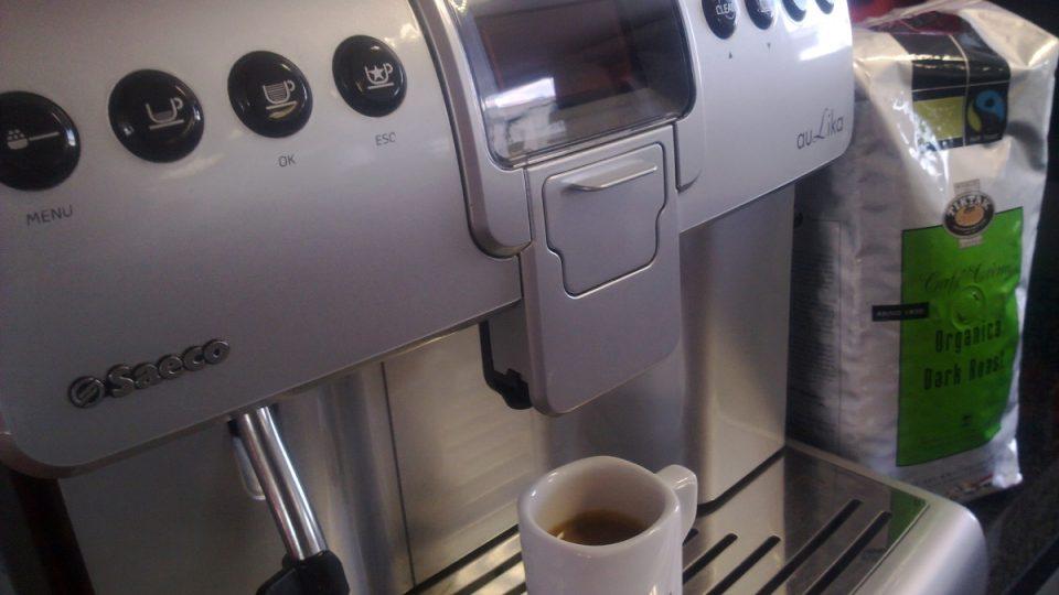 Automaty umí kvalitní mléčnou pěnu, jakou nezvládnou ani v mnohých kavárnách