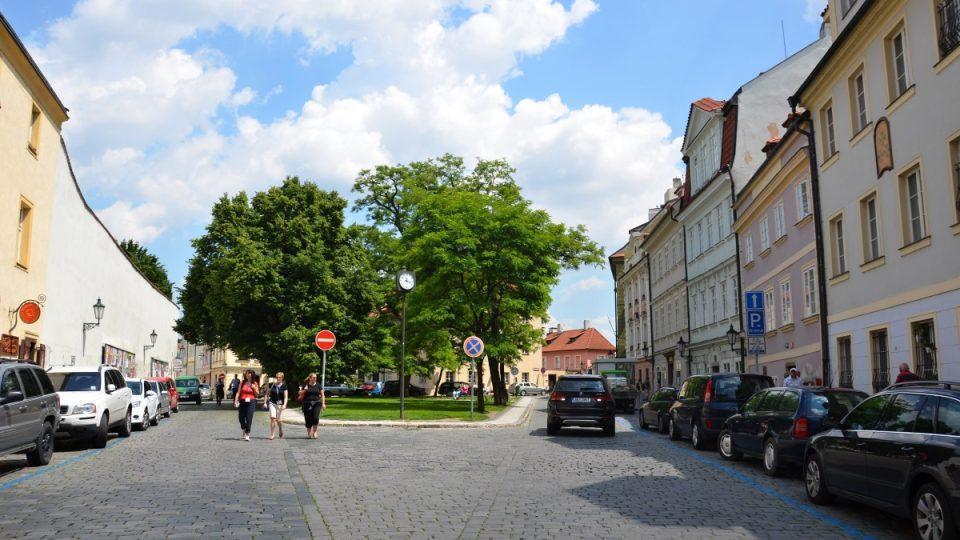 Parčík v ulici U Lužického semináře