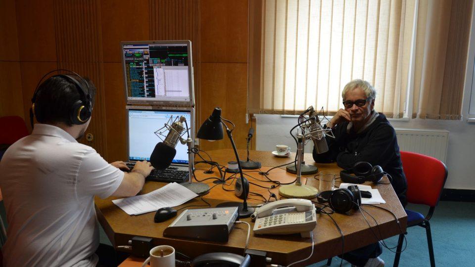 Fotograf Robert Vano si povídal s moderátorem Ivanem Studeným