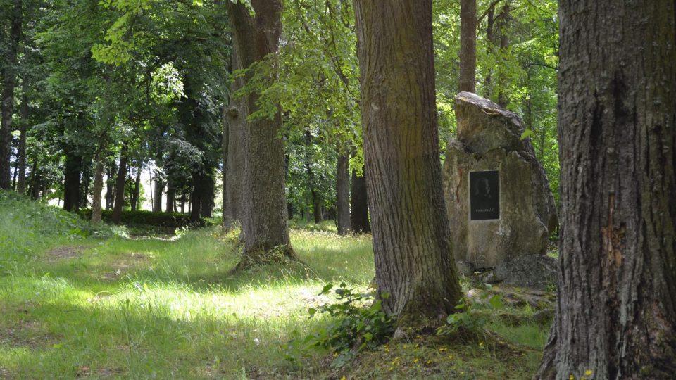 Hořice-Pomník autora původních pašijí 9.JPG
