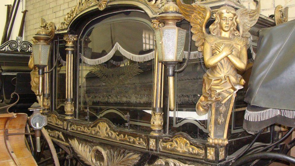 Historický pohřební vůz