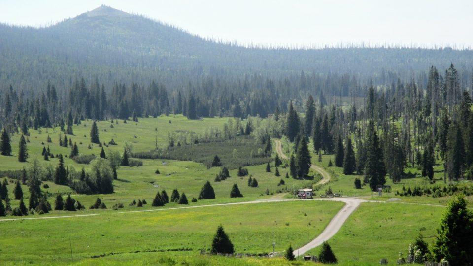 Luzenské údolí s horou Luzný