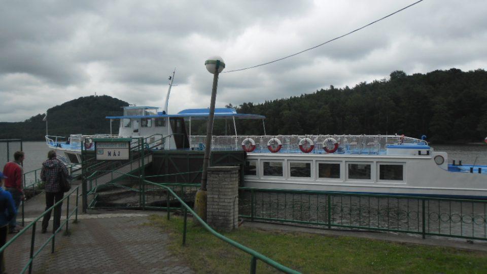 Loď Máj