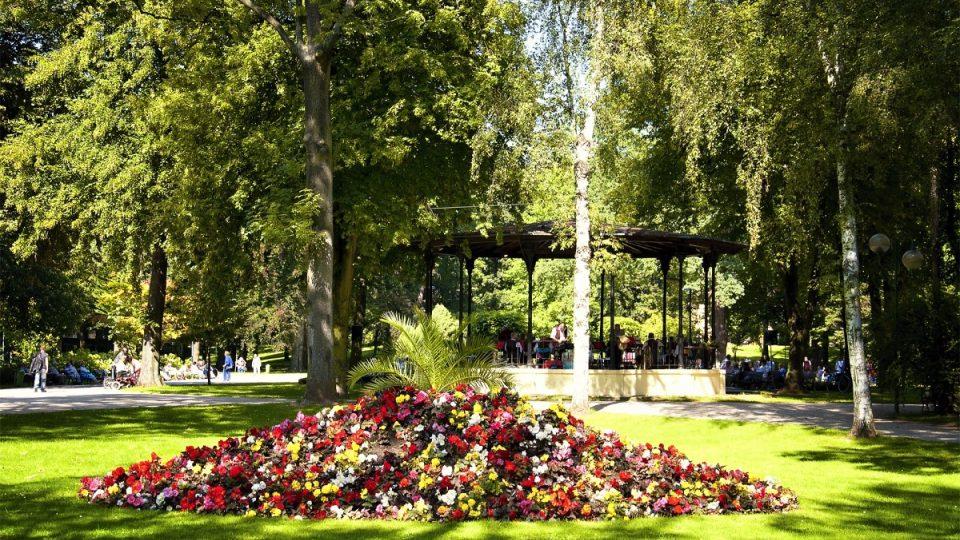 Hudební pavilon v Jiráskových sadech v Hradci Králové