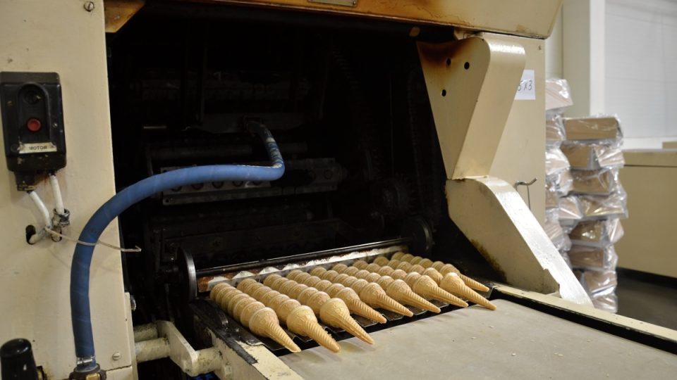 Stroj na lité kornouty