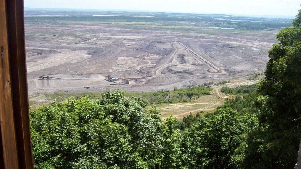 Výhled na povrchový důl