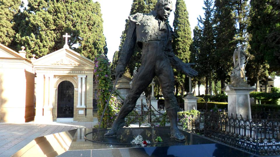 Na tomto hřbitově uvidíte nevšední mohyly slavných toreadorů, zpěváků a zpěvaček flamenka