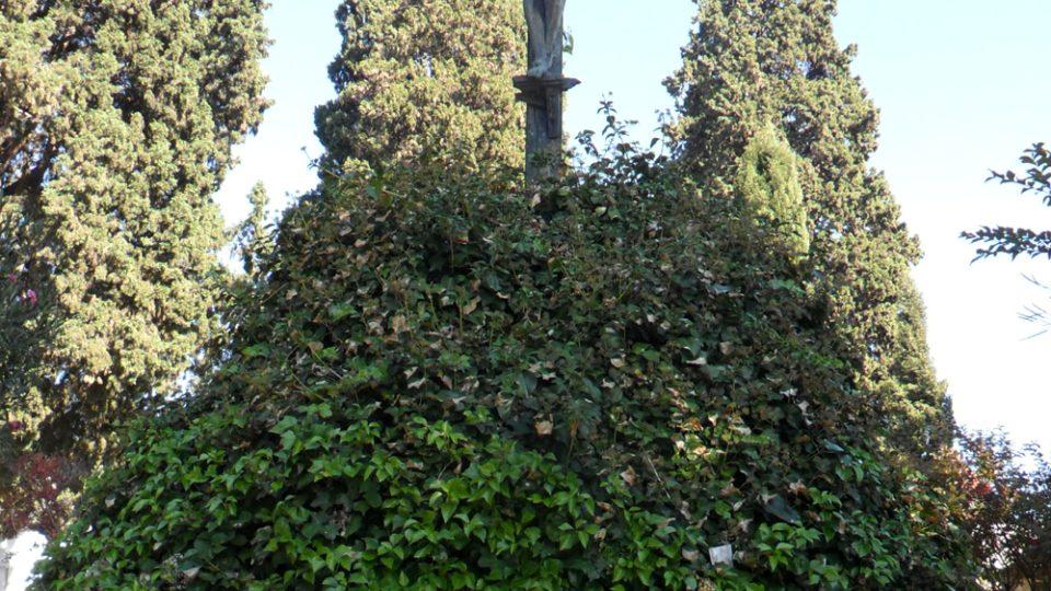 Na sevillském hřbitově uvidíte sochy i unikátní pomníky