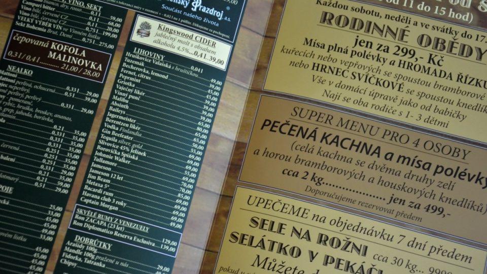 Pohled do jídelního a nápojového lístku