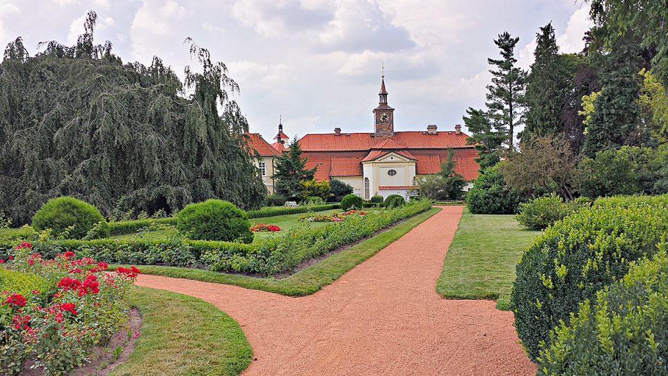 Chrast, zámecká zahrada, tzv. květnice Františka Thomayera z roku 1903