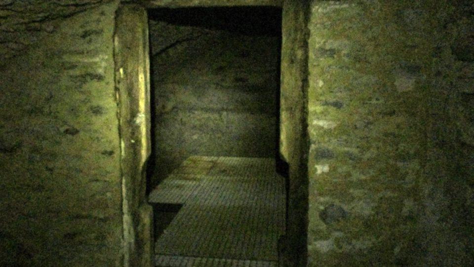 Původní dochovaná futra dveří do městského vězení