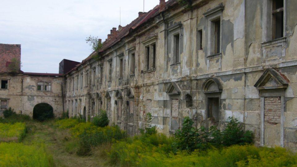 Areál hospodářského dvora zámku v Zákupech na Českolipsku
